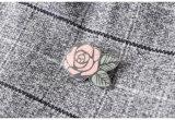 Orden francesa, Pin de la funda de la linterna adornado con la camisa controlada lanas gruesas