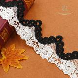 Doppio tessuto del merletto lavorato a maglia del tessuto dell'indumento di modo di colore cavo in bianco e nero per i vestiti