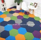六角形の商業カーペットTilsかナイロンカーペットのタイルまたはSexangleのカーペットのタイル