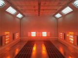 Sitio eléctrico de la hornada con la lámpara de calefacción infrarroja
