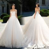 fora do laço nupcial dos vestidos de esfera do ombro do vestido de casamento inchado Lb1853 de Tulle