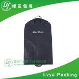 Non tissé pliable personnalisés adaptés à couvrir les vêtements sacs de vêtements