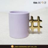 De Mok van het Vaatwerk van de Koffie van het porselein met Gouden Handvat