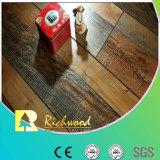 Pavimento laminado de noz V-Grooved 12,3 mm de mão comercial