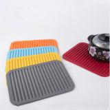 Couvre-tapis d'isolation thermique de silicones de cuisine pour le carter de bac de Placemat de caboteur