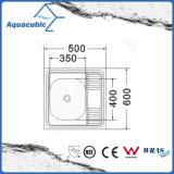 Venta caliente Fregadero de acero inoxidable con placa de vaciado (AEC5064)