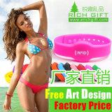 La promotion de gros de la sérigraphie Cheap Custom Rainbow Bracelet en silicone pour les enfants