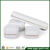 Белая люкс отлакированная освещенная СИД коробка ювелирных изделий