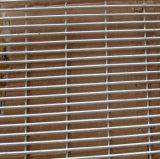 塀ワイヤースクリーンの壁の庭の塀に反上りなさい