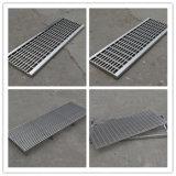 Lo scolo di pavimento Grattare-Vuota le griglie dell'acciaio inossidabile del coperchio