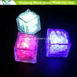卸し売り水センサーイベント党結婚式のための点滅LEDの角氷の白熱飲用に適した装飾