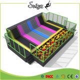 Sosta dell'interno del trampolino dei nuovi di disegno dei bambini bambini di campo giochi con le molle di ricambio libere
