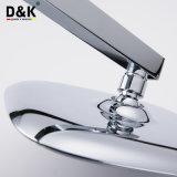 Jeu simple de douche de pluie de traitement de salle de bains chaude en laiton de vente de qualité de modèle moderne