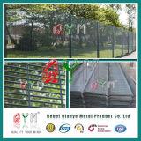 Загородка высокия уровня безопасности с разделительной стеной верхней части стены провода бритвы