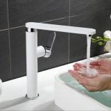 Mélangeur d'eau de lavabo de cuisine