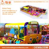 O jogo interno macio comercial das crianças caçoa preços internos do equipamento do campo de jogos