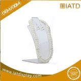 Fabrication acrylique claire faite sur commande de jeu d'étalage de collier de bijou