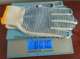 Gants pointillés par PVC bleus blanchis sans joint de coton blanc d'anti glissade