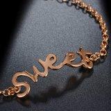 文字女性のための甘いデザイン金のブレスレットとの涼しい様式