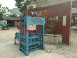 Hydraulischer automatischer Betonstein, der den Maschinen-Kleber-Ziegelstein herstellt Maschinerie mit Mischer und Förderanlage bildet