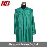 Vert vert brillant adulte de robe de graduation de lycée