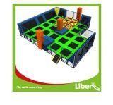 Parque de interior de múltiples funciones divertido comercial del trampolín con muchos juegos