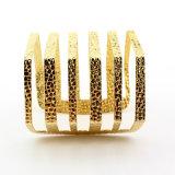 Imple Form-Höhlung-Streifen-geöffnete Armband-Armbänder