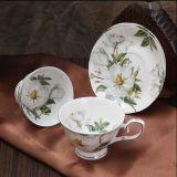 Copo cerâmico bonito de China de osso do copo do café da porcelana do copo e do Saucer de café
