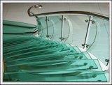 319mm snijden Grootte Aangemaakt Glas met Opgepoetste Randen, Gaten voor Groene Huis/Treden/Leuningen
