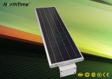 Réverbère solaire complet intelligent de DEL avec la batterie au lithium 18ah