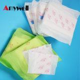 Serviettes hygiéniques respirables de coton femelle pour des femmes