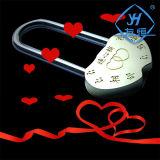 Cadeado em forma de coração o amor que viajam com chave de bloqueio de cobre