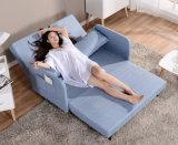 変換可能なソファのソファーベッドの居間の寮のMicrofiberの家具の眠る人