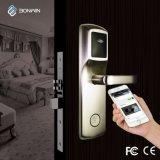 Mobile réseau électronique de commande de serrure de porte avec la technologie de contrôle à distance