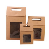 Роскошный окна в подарочной упаковке бумаги в салоне с помощью рукоятки