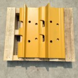 小松のブルドーザーの予備品のための重いクローラーブルドーザーの下部構造の部品D155鋼鉄トラック靴