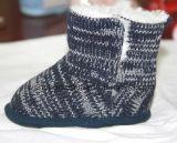 Ботинки младенца шерстей