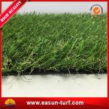 Естественная смотря синтетическая трава для сада Landscaping украшения