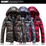 人のための人のジャケットメンズジャケットのCamoのジャケット