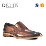 2018 новый дизайн мужчин кожаную обувь одежда для мужчин зерноочистки