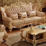 Il sofà classico ha impostato con la Tabella laterale per mobilia domestica (526)