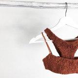 新しいデザイン浴室のスーツは折目の二つの部分から成ったビキニの水着を位取りする