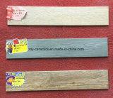 Telha de assoalho de madeira cerâmica do material de construção bonito de Foshan