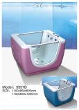 Las burbujas de colores y bañera de hidromasaje para bebés