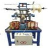 Alta velocidade e com baixo custo de energia o fio da mangueira entrelaçando a máquina