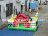Piccolo trampolino gonfiabile per i capretti