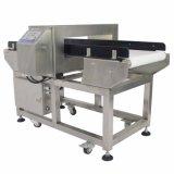 La cinta transportadora automática de los sistemas de detección de metal