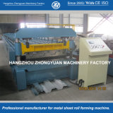 MetallfußbodenDecking walzen die Formung der Maschine kalt