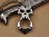 チタニウムのチタニウムの頭骨の十字の設計ペンダントの自衛