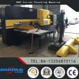 CNC штемпелюя экспорт пробивая машины башенки Machine/CNC к России